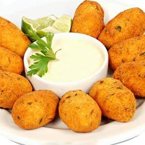 Croquetes de batata doce com amêndoa