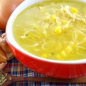 Sopa de milho com frango