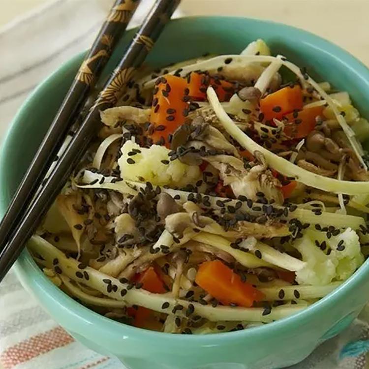 Yakisoba de palmito com legumes