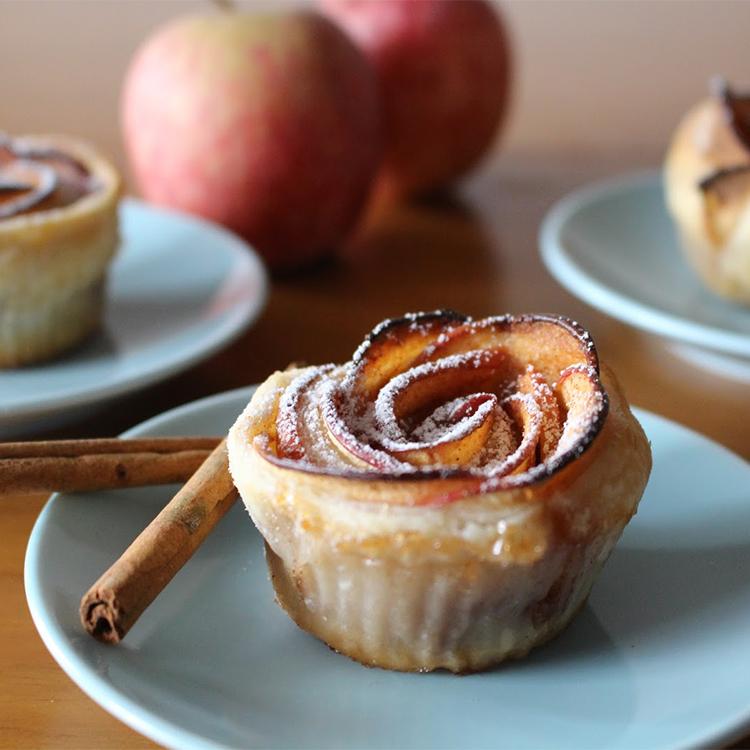 Rosas de maçã com massa folhada