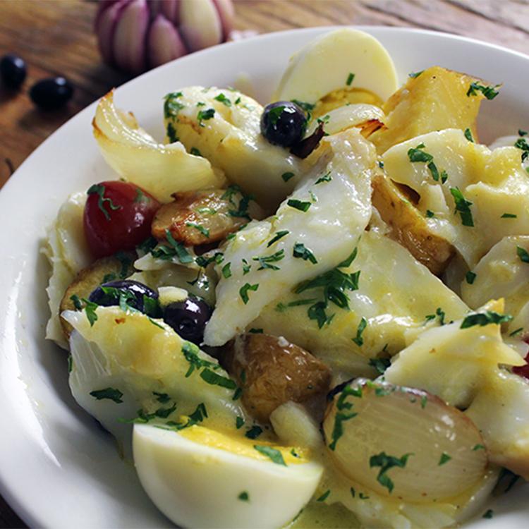 Salada de bacalhau com azeitona
