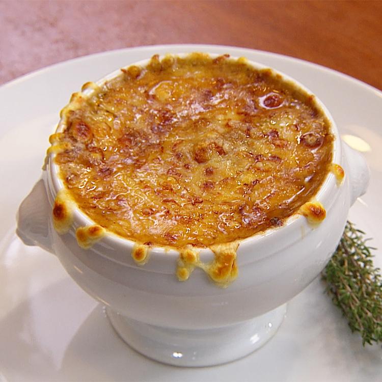 Sopa francesa gratinada de cebola