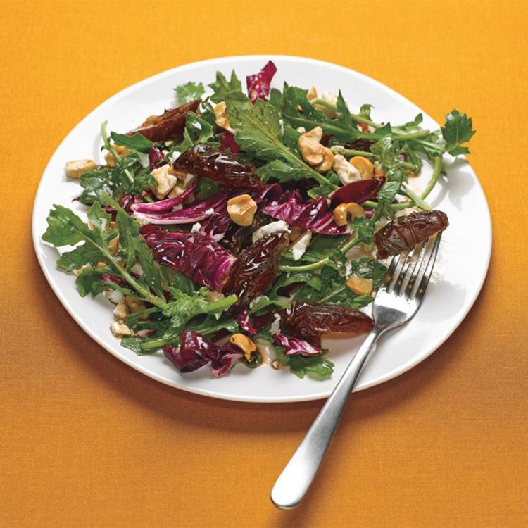 Salada de rúcula com radicchio e tomate-cereja