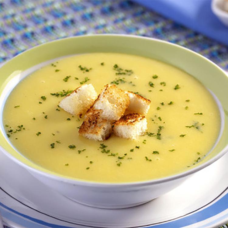 Sopa de mandioquinha com inhame